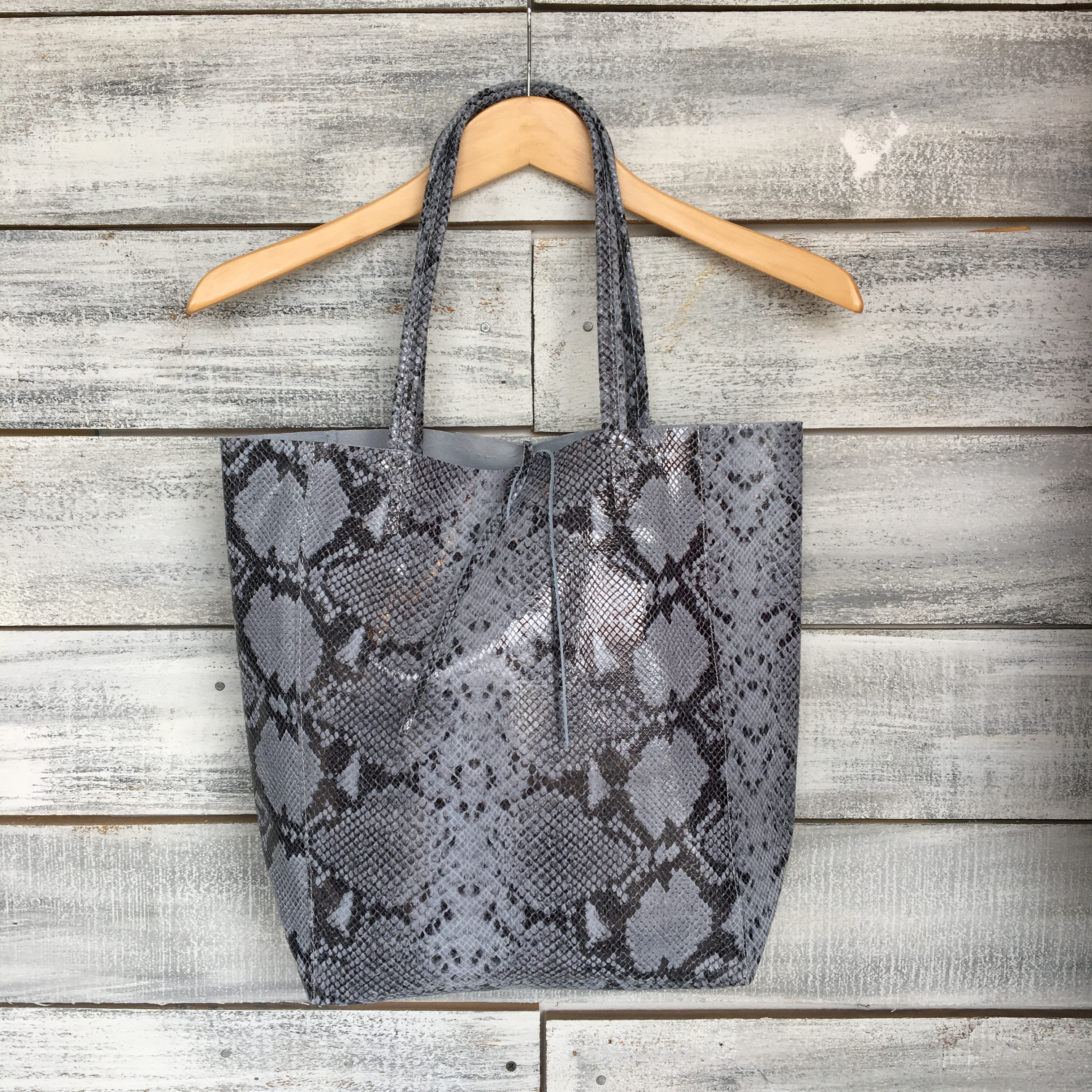 SNAKE PRINT LEATHER TOTE – SHOP THE LOOK