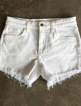 WHITE CUTOFF SHORTS – SHOP THE LOOK