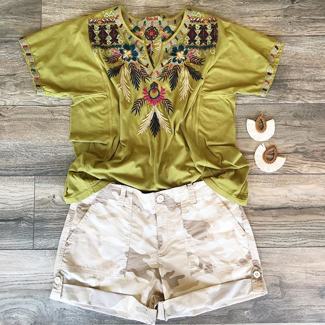 GREEN WITH ENVY TEE