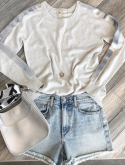 SILVER SEQUINS SWEATER
